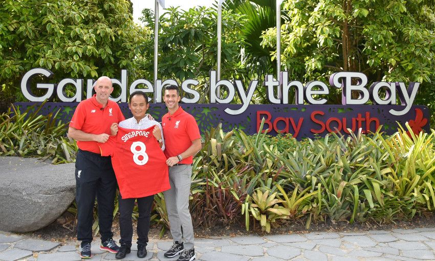 Garcia and Gary Mac visit Singapore's Gardens by the Bay