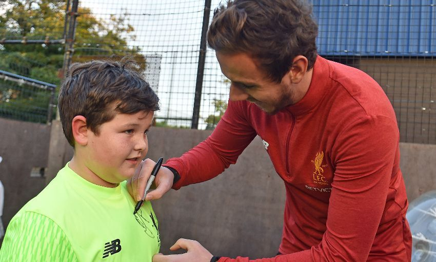 Danny Ward meets youngsters at LFC Foundation Kicks programme