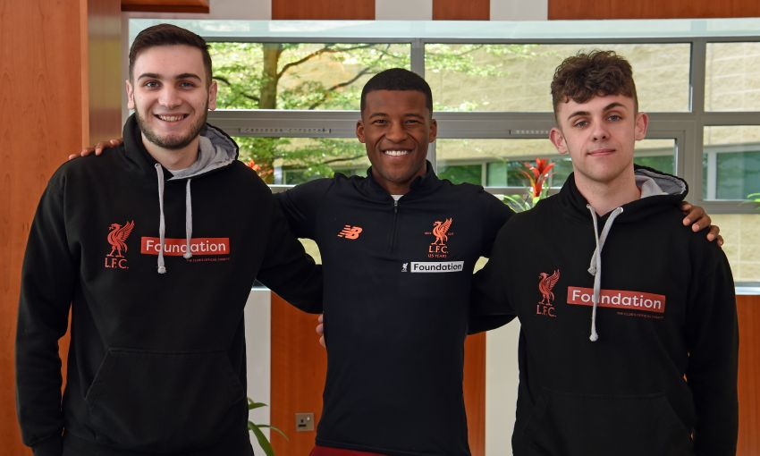 GINI WIJNALDUM MEETS WITH LFC FOUNDATION PARTICIPANTS