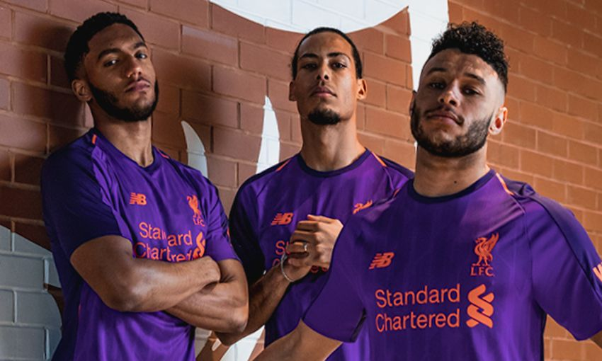 Watch  Players model new 2018-19 away kit - Liverpool FC 59582793c