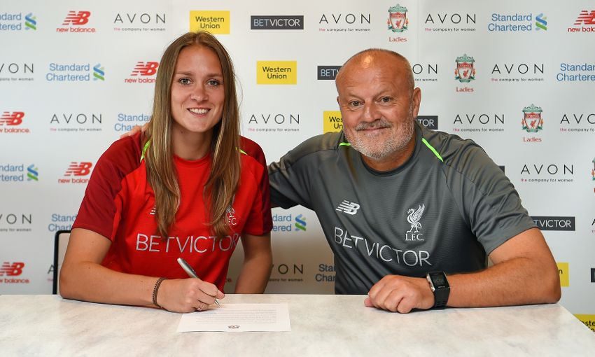 Anke Preuss signs for Liverpool Ladies