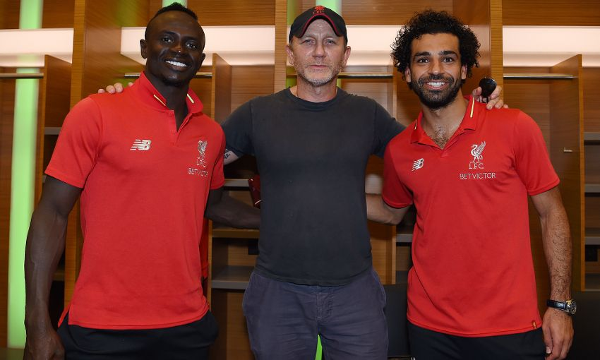 Liverpool players meet Daniel Craig