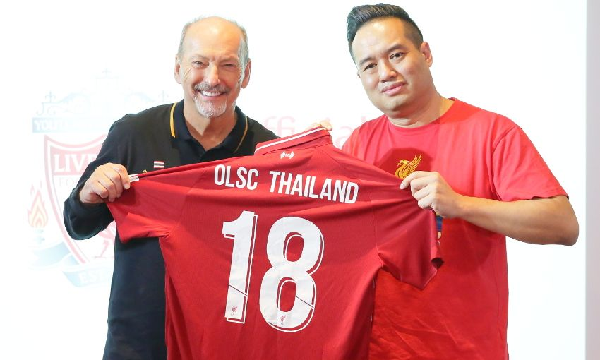 647903d3c Peter Moore makes visit to Thai OLSC branch birthday - Liverpool FC