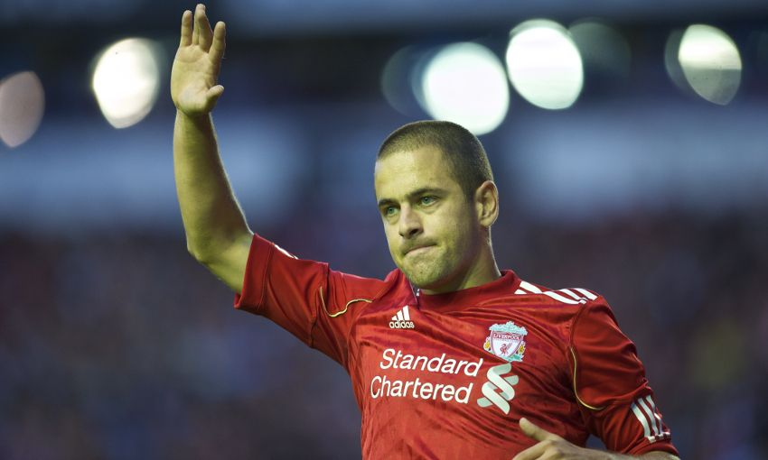 Joe Cole playing for Liverpool