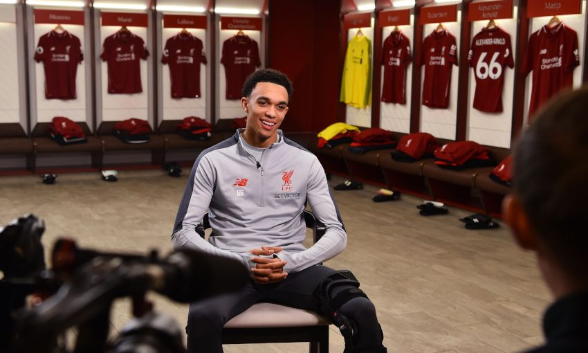 Trent Alexander-Arnold signs new Liverpool FC contract