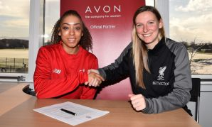 Jess Clarke signs new contract with LFC Women