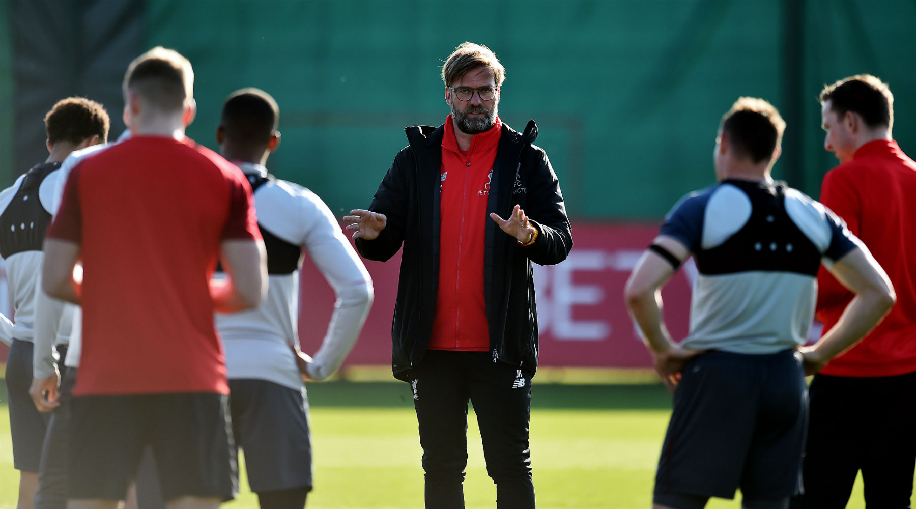 Jurgen Klopp sets target for Liverpool as title pursuit hots up