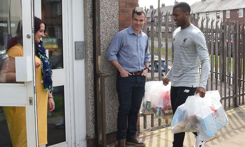 Daniel Sturridge Visits North Liverpool Foodbank Liverpool Fc