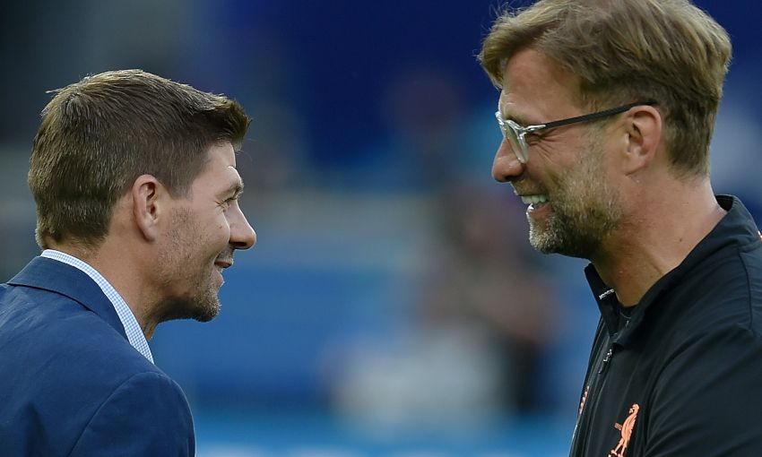 « C'est le meilleur entraîneur du monde, je n'ai que du respect pour lui » déclare Steven Gerrard