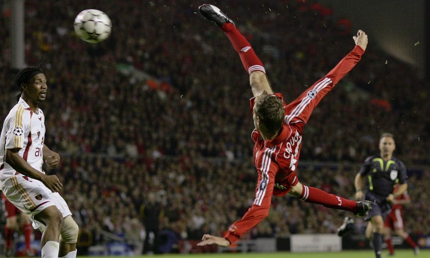 Peter Crouch scores an overhead kick against Galatasaray