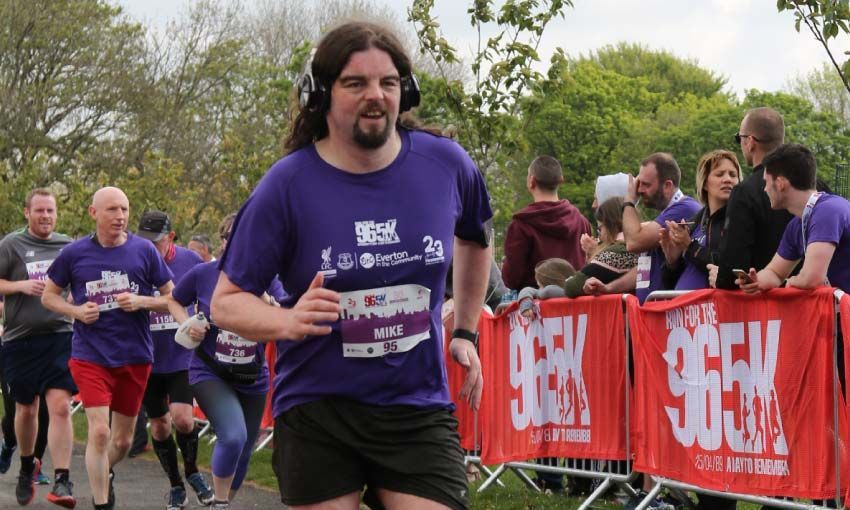 Mike runs for the Reds!