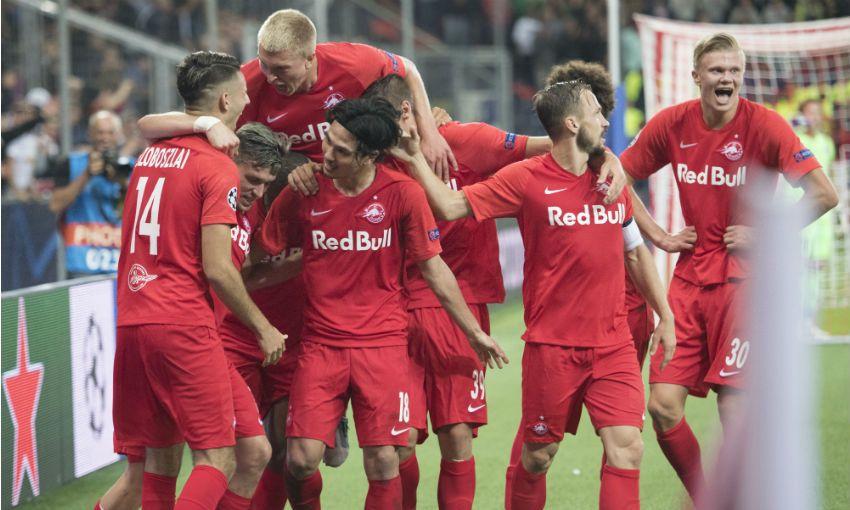 Salzburg celebrate goal v Genk