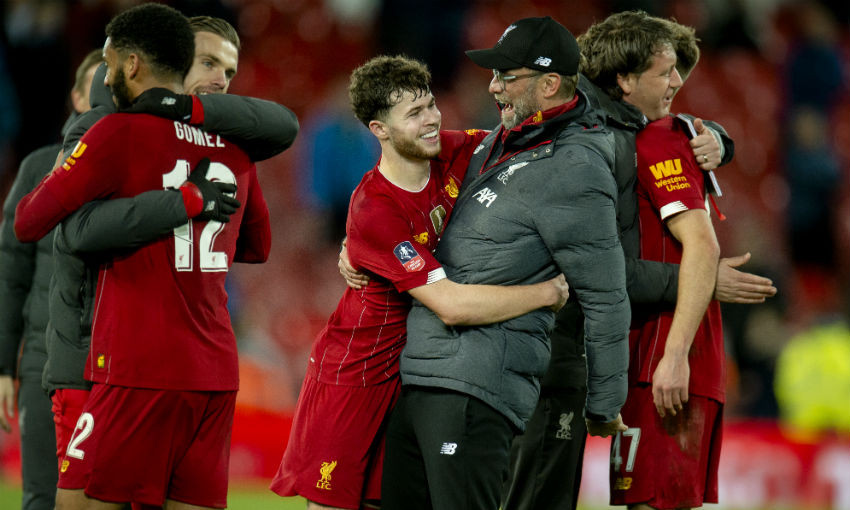 Neco Williams and Jürgen Klopp of Liverpool FC