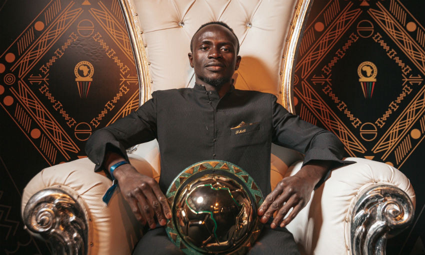 Sadio Mane with 2019 CAF African Player of the Year award