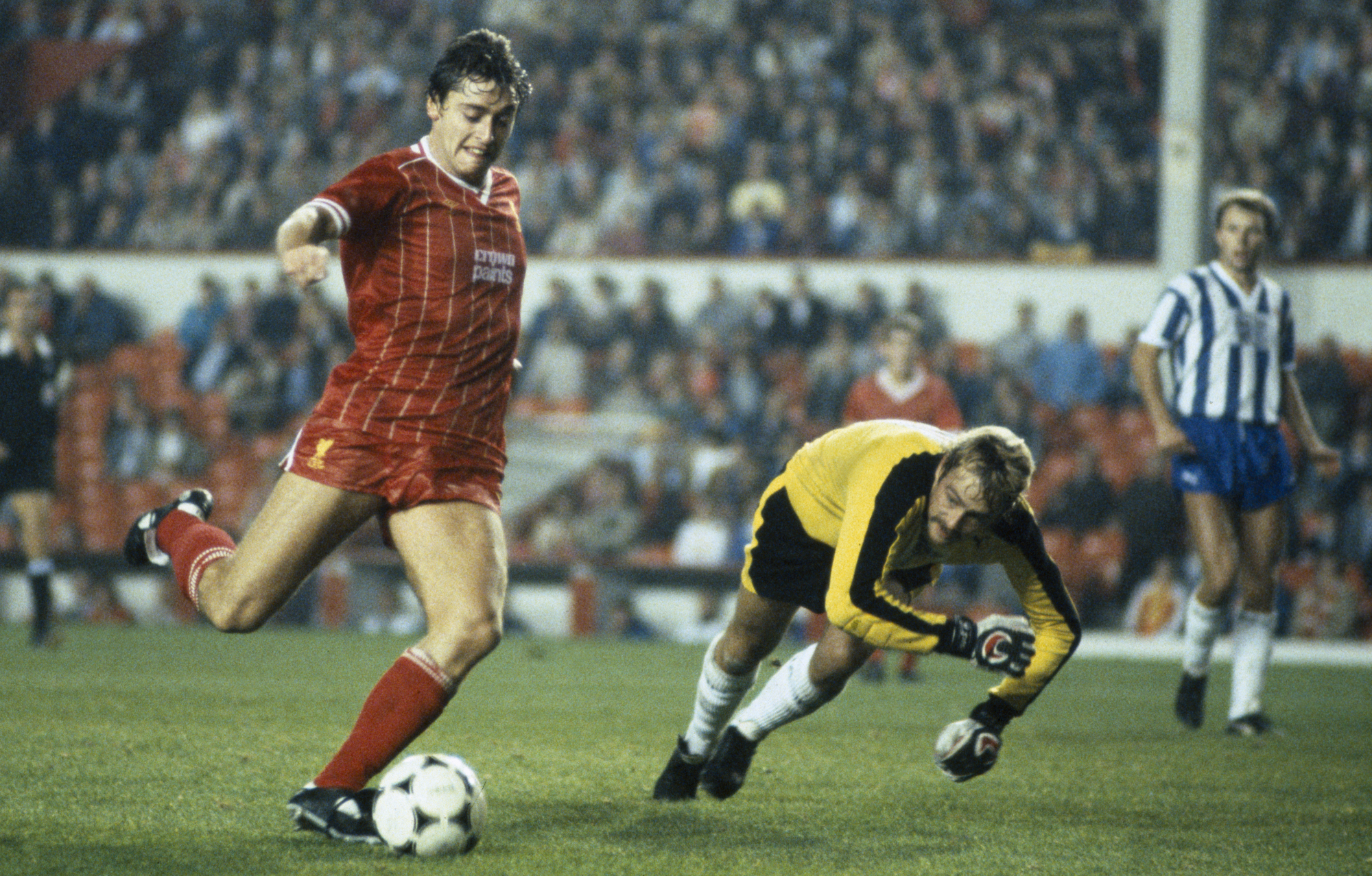 Ex-Republic of Ireland and Liverpool forward Robinson dies, aged 61