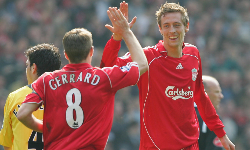 Steven Gerrard and Peter Crouch celebrate