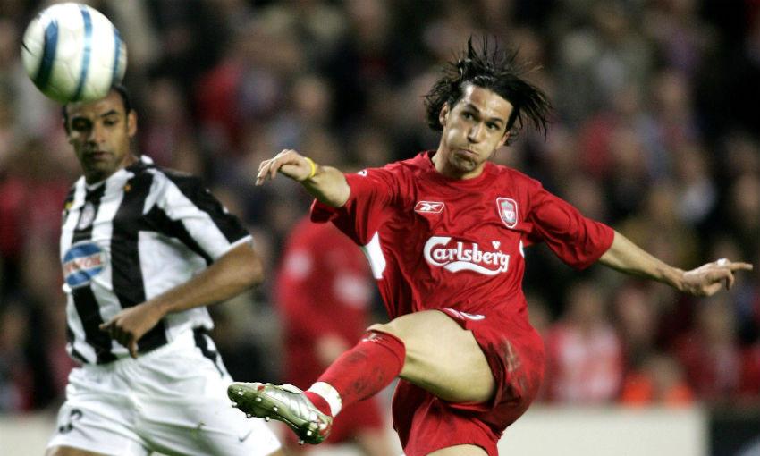 Luis Garcia scores goal for Liverpool v Juventus