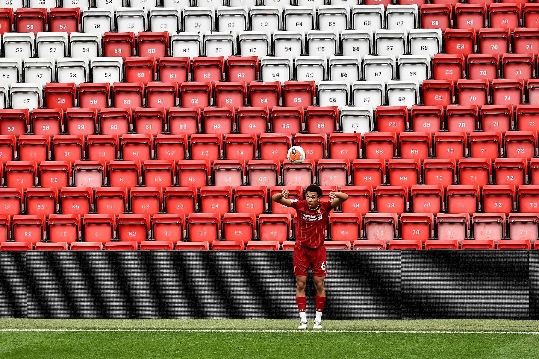 Фоторепортаж: Шесть голов на «Энфилде» и виктория «Красных» - ФК Ливерпуль