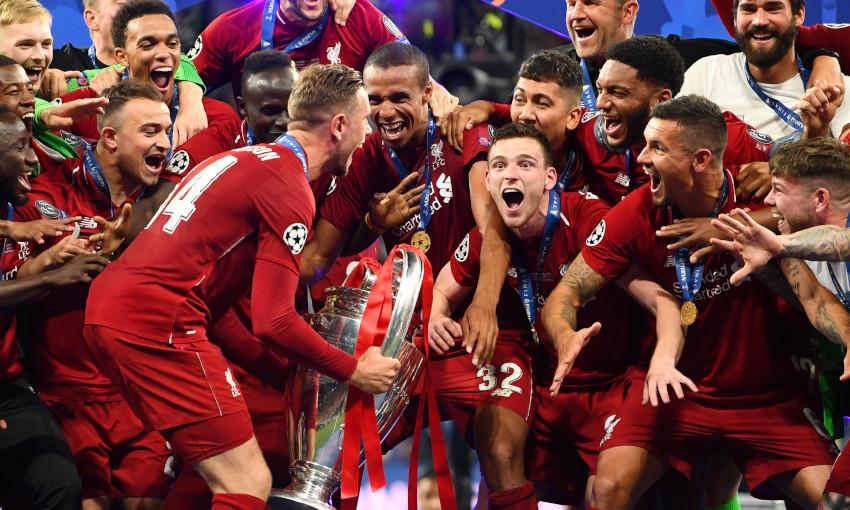 Jordan Henderson lifts the Champions League in 2019
