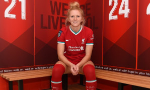 Ceri Holland signs for Liverpool FC Women