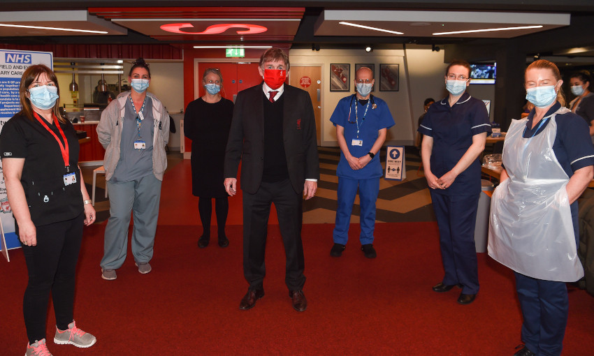 Sir Kenny Dalglish visits Anfield COVID-19 vaccine centre