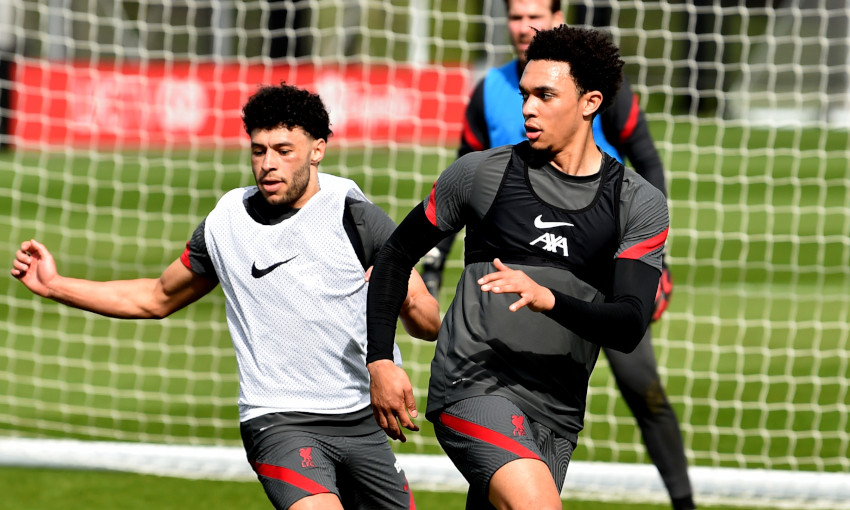 Alex Oxlade-Chamberlain and Trent Alexander-Arnold in training