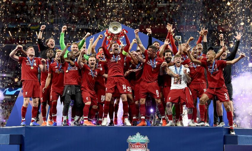 Jordan Henderson lifts Champions League trophy for Liverpool FC