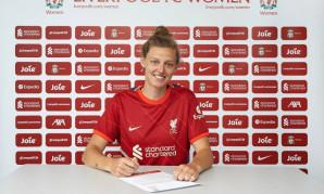Yana Daniels signs for Liverpool FC Women