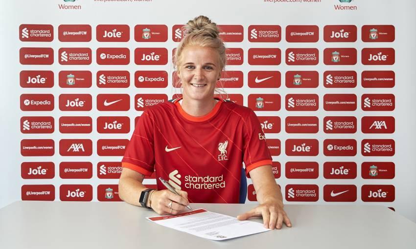 Jasmine Matthews signs for Liverpool FC Women