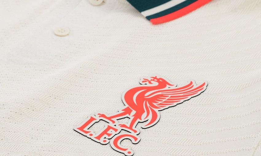 Liverpool FC's 2021-22 Nike away kit