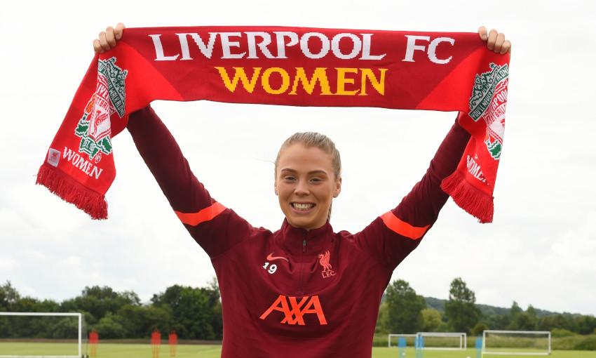 Rianna Dean signs for Liverpool FC Women